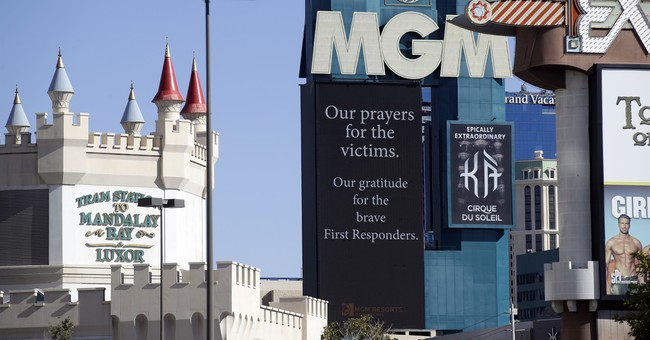 Airlines offer free travel for Las Vegas victims' families