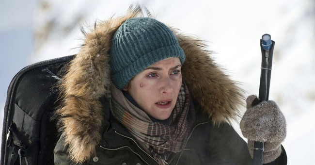 Review: Romance, survival mix in 'The Mountain Between Us'