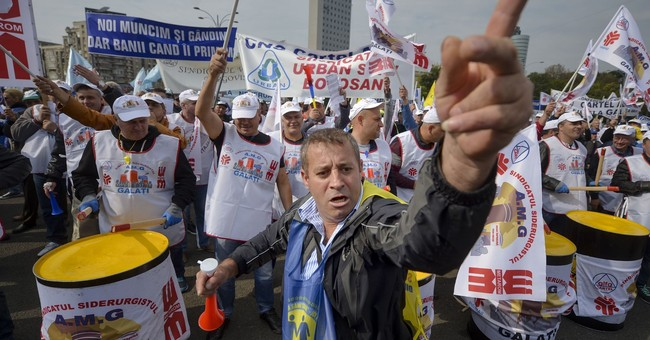 Thousands of workers protest Romania's plan to hike taxes