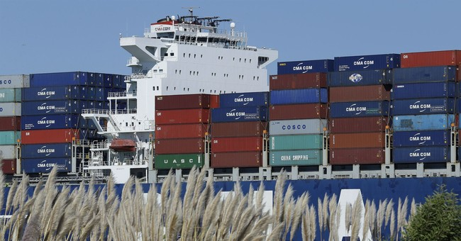 US trade deficit narrows to $42.4 billion in August