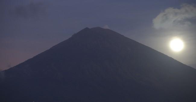 Man films himself atop Bali volcano, angering officials