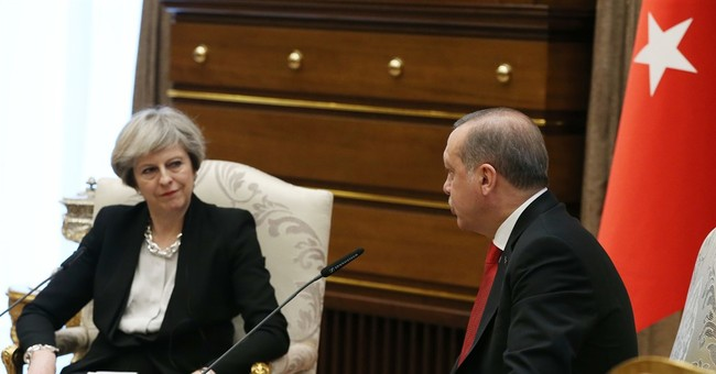 British PM May visits Turkey, reaches $125M fighter jet deal