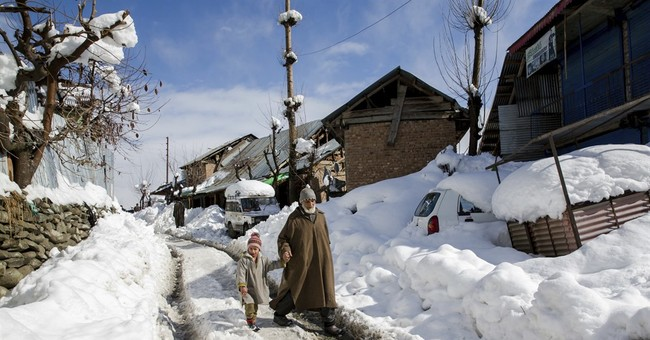 Indian soldiers rescued hours after snow cave-in in Kashmir