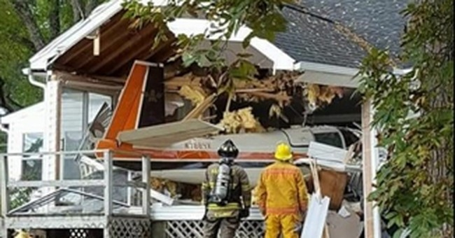 Sheriff says 3 survive plane crash into Virginia home