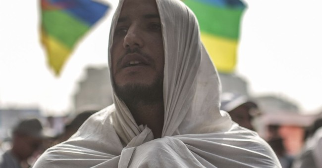 Hundreds protest to free Morocco's northern activists