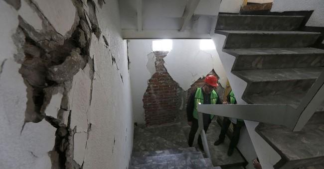Mexico City begins demolishing earthquake-damaged buildings