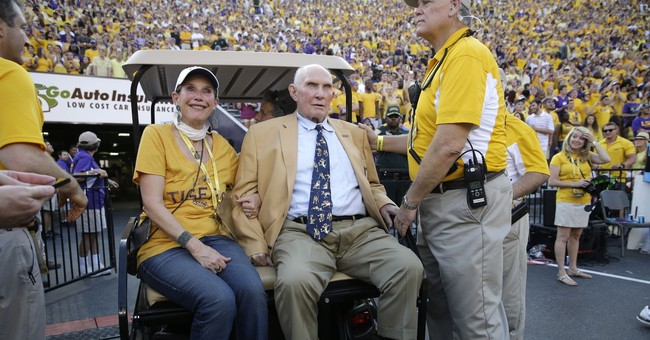 Hall of Fame QB Y.A. Tittle dead at 90