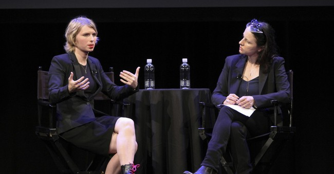 Chelsea Manning finds a sympathetic crowd in NY appearance