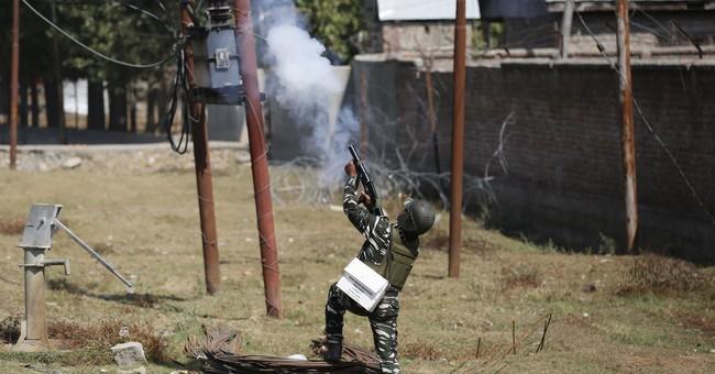 2 Indian air force commandos, 2 rebels killed in Kashmir
