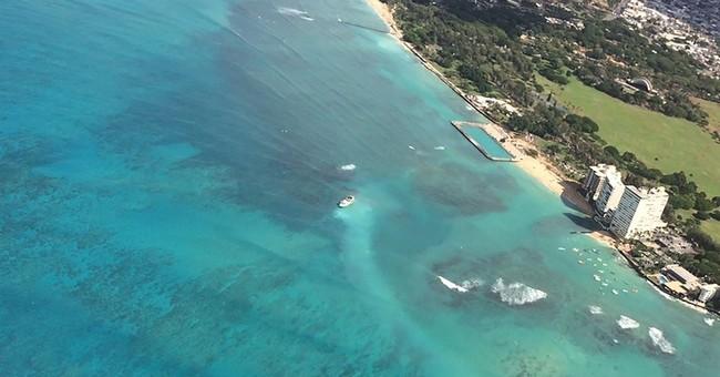 79-foot fishing vessel runs aground off Oahu, 20 men rescued
