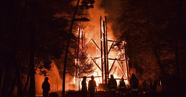 Landmark wooden tower burns down in Frankfurt