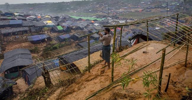 Rohingya refugee influx inspires Bangladeshi aid _ and worry