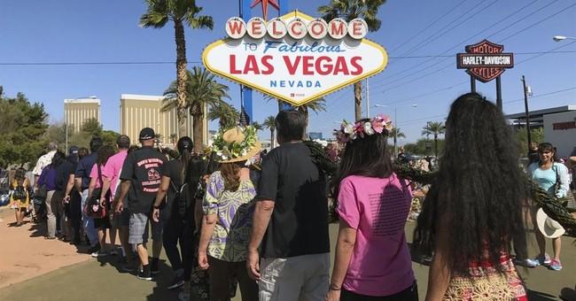 Hawaiians aim to help heal Las Vegas, survivors of shooting