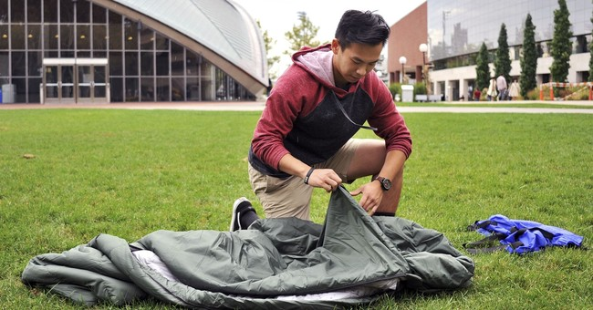 MIT student making sleeping bags for refugees in Middle East