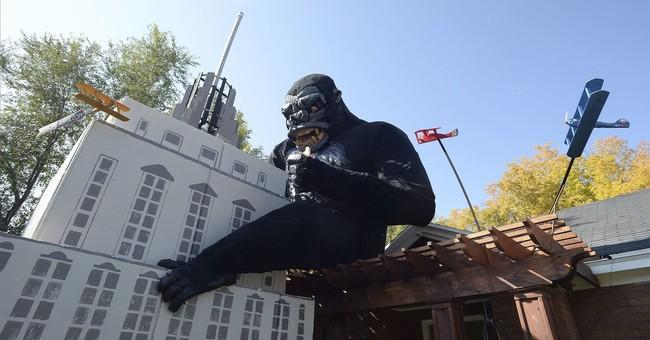 Salt Lake City man decorates house with a King Kong display