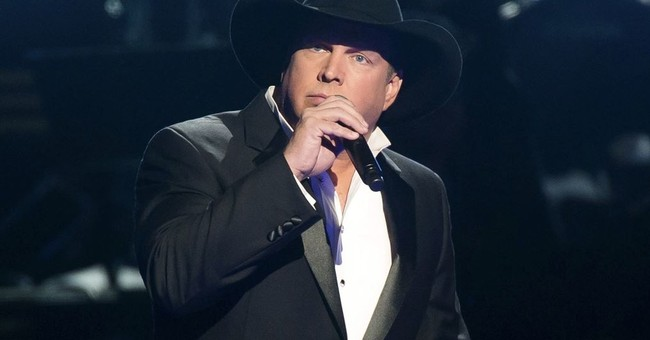 Garth Brooks, Miranda Lambert, Luke Bryan to perform at CMAs