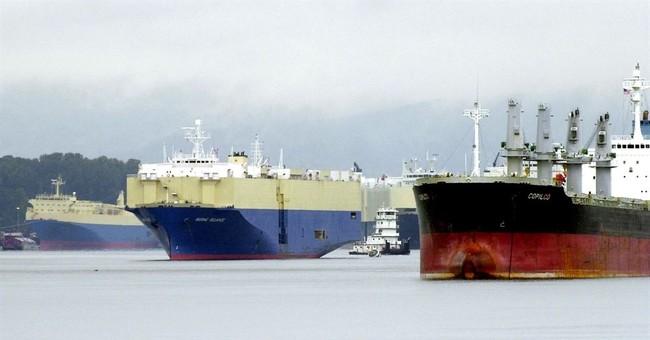 Backers of oil terminal pour money into Washington port race