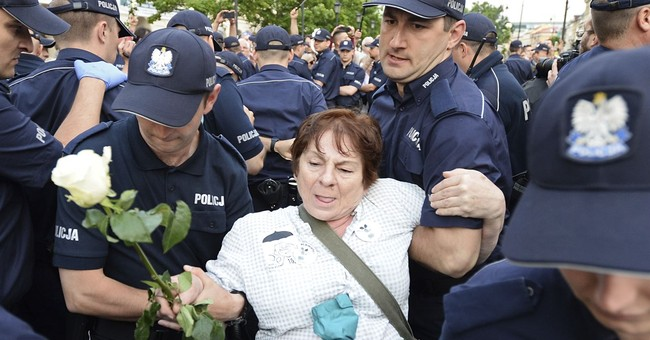 Rights group chides Poland for 'harassment' of protesters