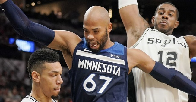 Aldridge's double-double leads Spurs by Timberwolves, 107-99