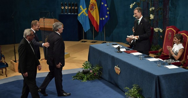 Catalan crisis looms large at Spanish prize-giving event