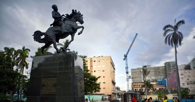Cuba unveils US-made tribute to independence