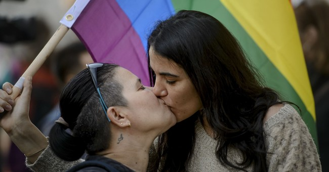 Hundreds of Romanians rally in support of civil partnerships