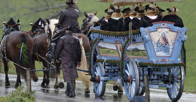 Bavarian town honors horses' patron saint in procession