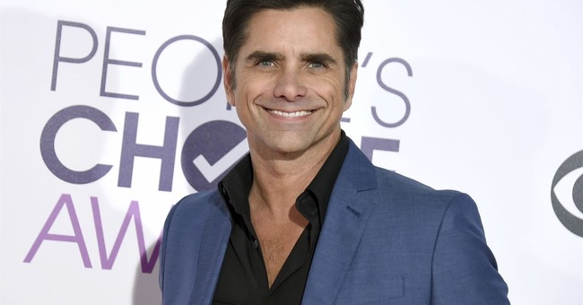 John Stamos gets engaged to girlfriend at Disneyland