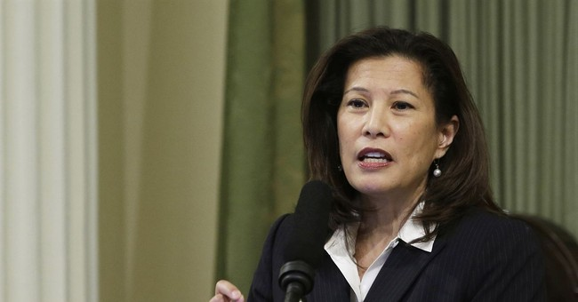 California's chief justice calls for end to cash bail