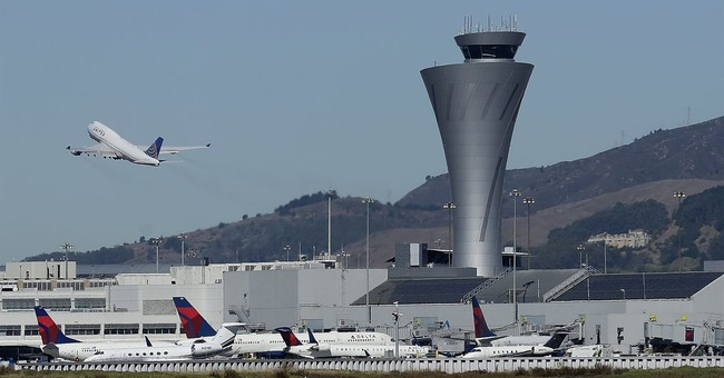 The Latest: Expert: It's rare for pilots to miss tower calls