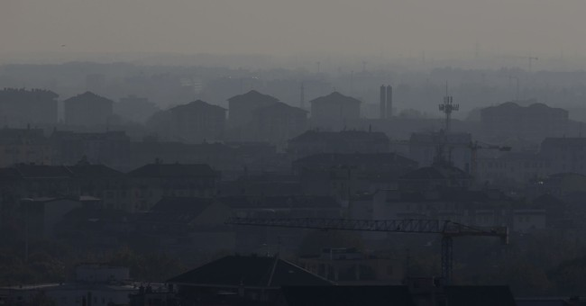Milan, Turin suffer under smog thanks to low rains, emission