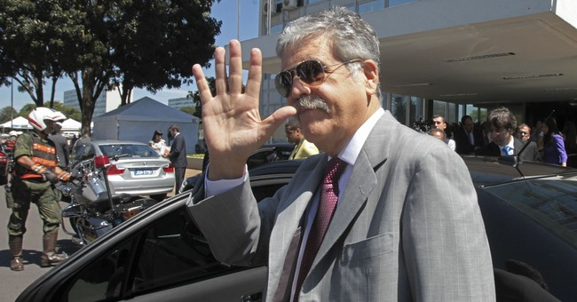 Argentina lawmaker turns himself after losing immunity
