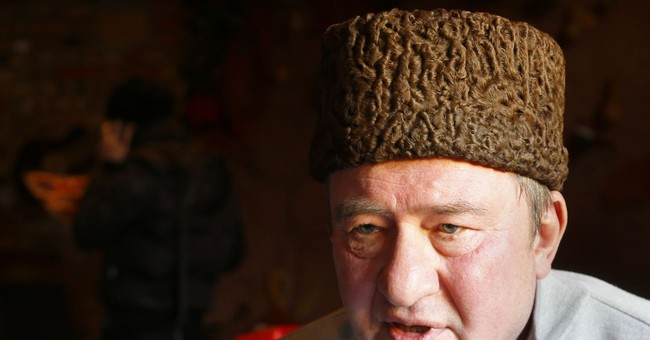 2 Crimean Tatar leaders freed from prison, flown to Turkey