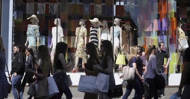 UK economy picks up slightly, making rate hike more likely