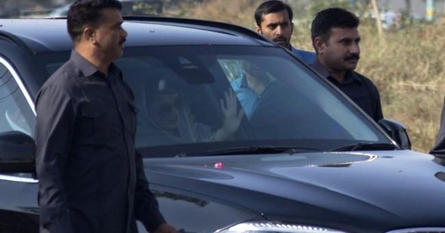 Pakistani court issues arrest warrant for ex-Premier Sharif