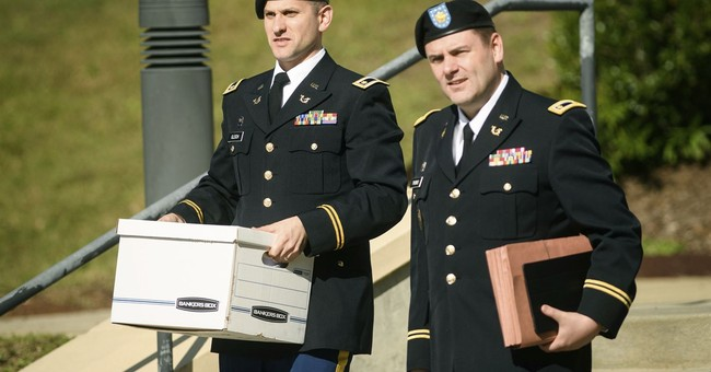 On stand, Bergdahl apologizes to those hurt looking for him