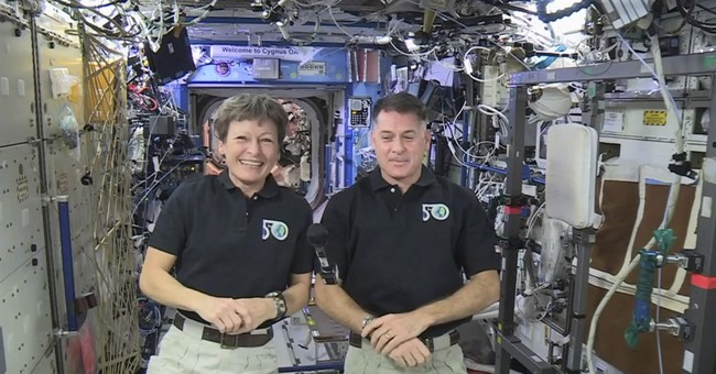 Astronauts' No. 1 New Year's resolution: Ace spacewalks