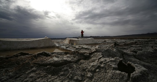 China begins to ease its 2,000-year-old monopoly on salt
