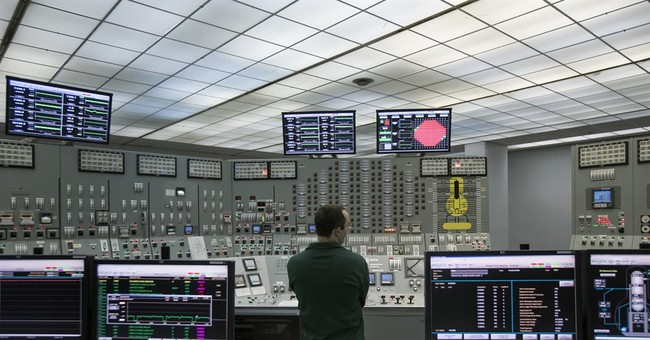 NY bets big on aging nuke plants, balancing jobs, safety