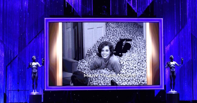 Mary Tyler Moore laid to rest in Connecticut