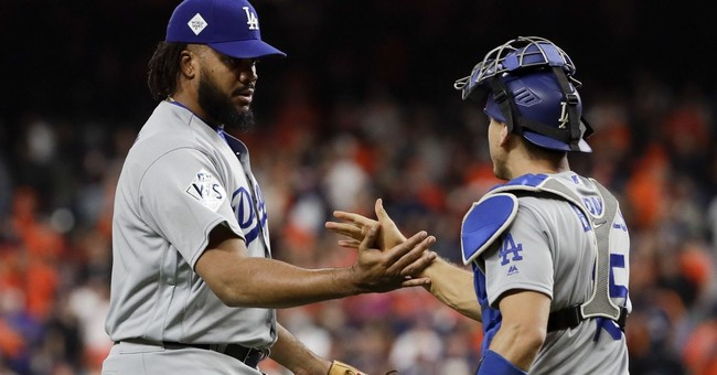 Bellinger, Dodgers top Astros 6-2 to tie World Series 2-all