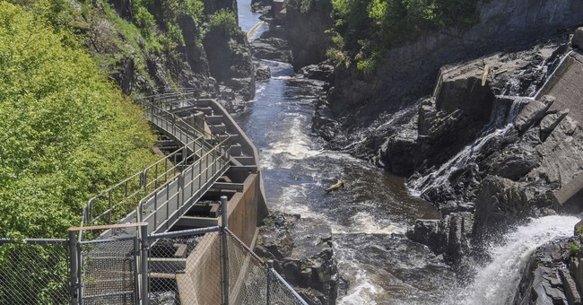 No salmon return to Canada river, bringing New England fears