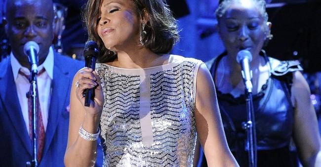 Christina Aguilera to perform Whitney Houston medley at AMAs