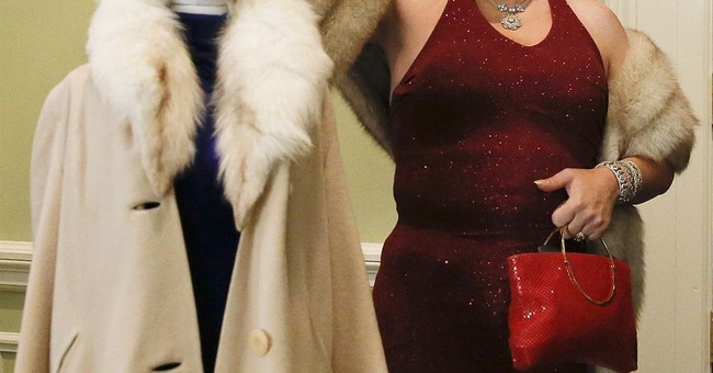 Alabama drag queen donates items from gay marriage fight