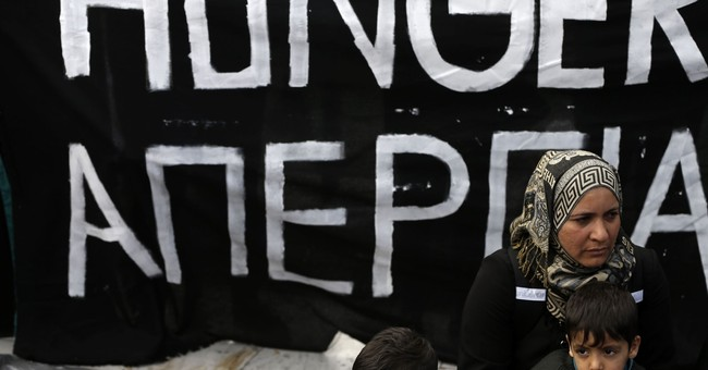 Greece mulls emergency housing measures after migrant spike