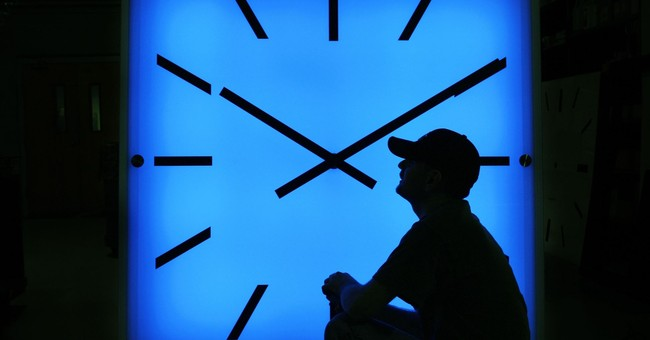 Massachusetts panel seeks regional talks on time zone change