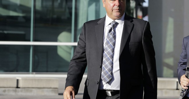 Baseball agent, trainer sentenced on smuggling convictions
