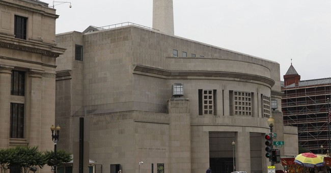 School probes student 'mockery' of Holocaust museum exhibits