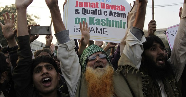 Pakistani charity rallies after detention of militant chief
