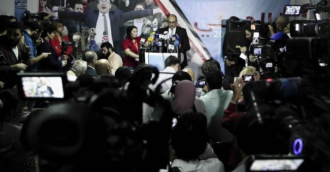 Egypt opposition lawyer announces 2018 presidential bid